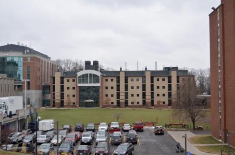 「大学VS専門学校」どっちが就職に強い?