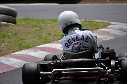 レーシングドライバーになるにはどうすれば?