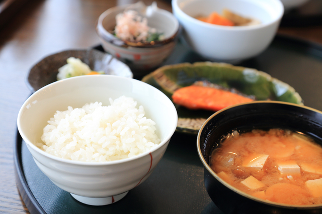 『食事』から考える肌乾燥対策